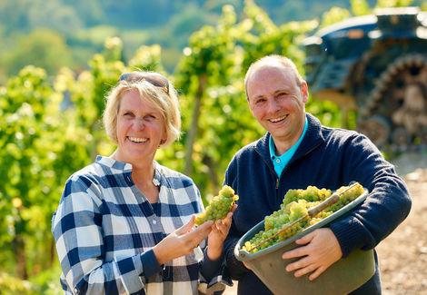 Geschäftsführerin Julia Lübcke und Kellermeister Sascha Dannhäuser